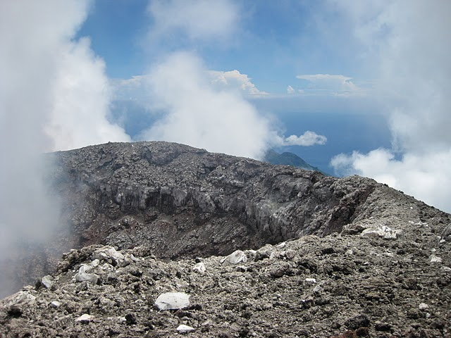 gamalama-crater-2