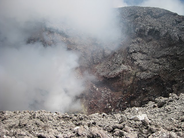 gamalama-crater