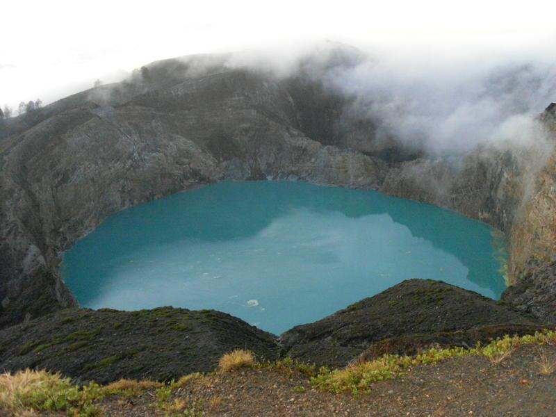 kelimutu-crater