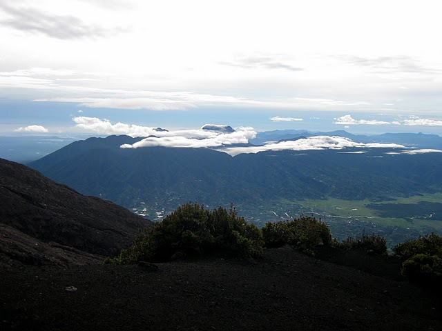 clouds-move-in-over-gunung-tujuh