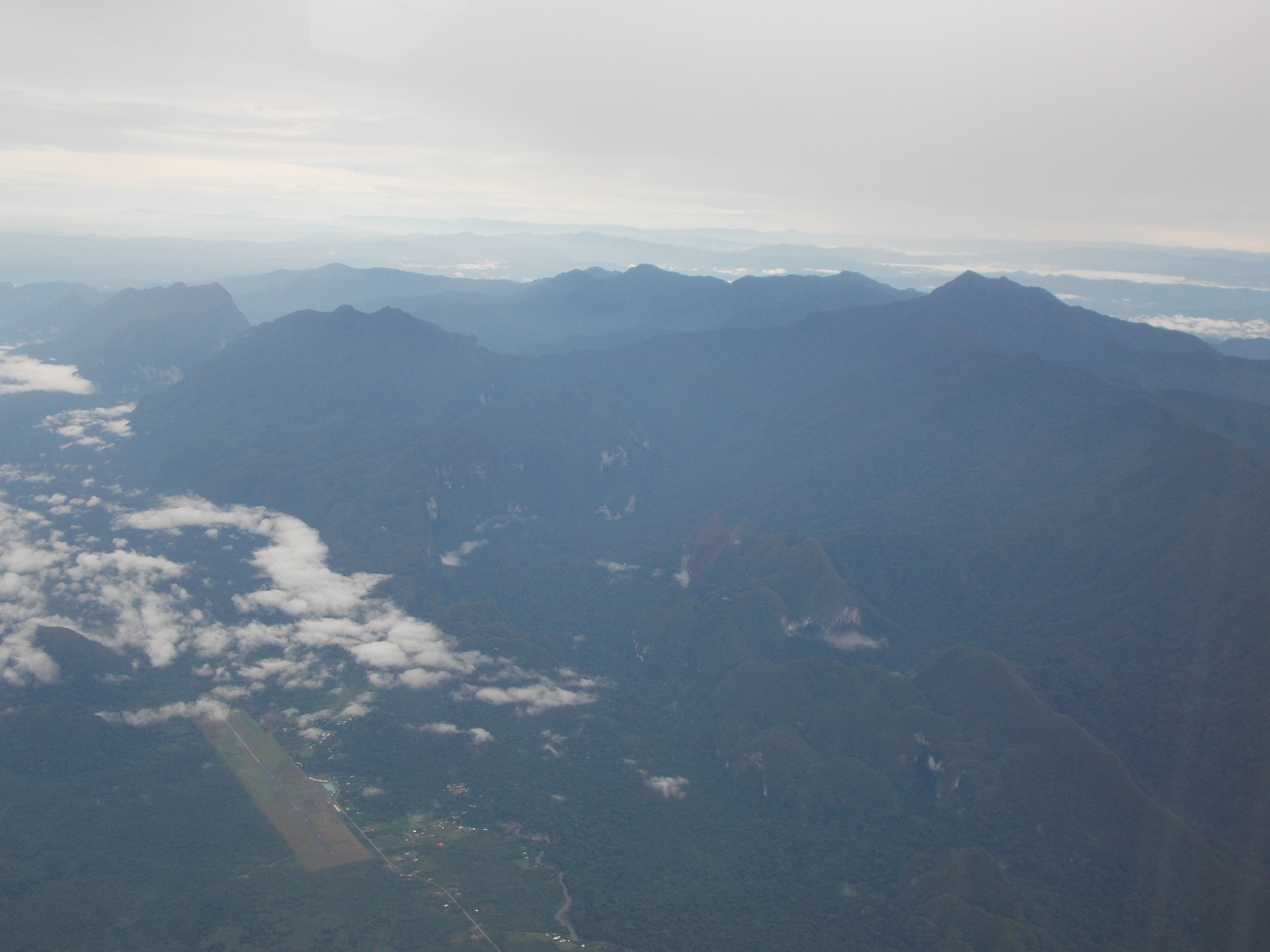 149 Mulu range from above