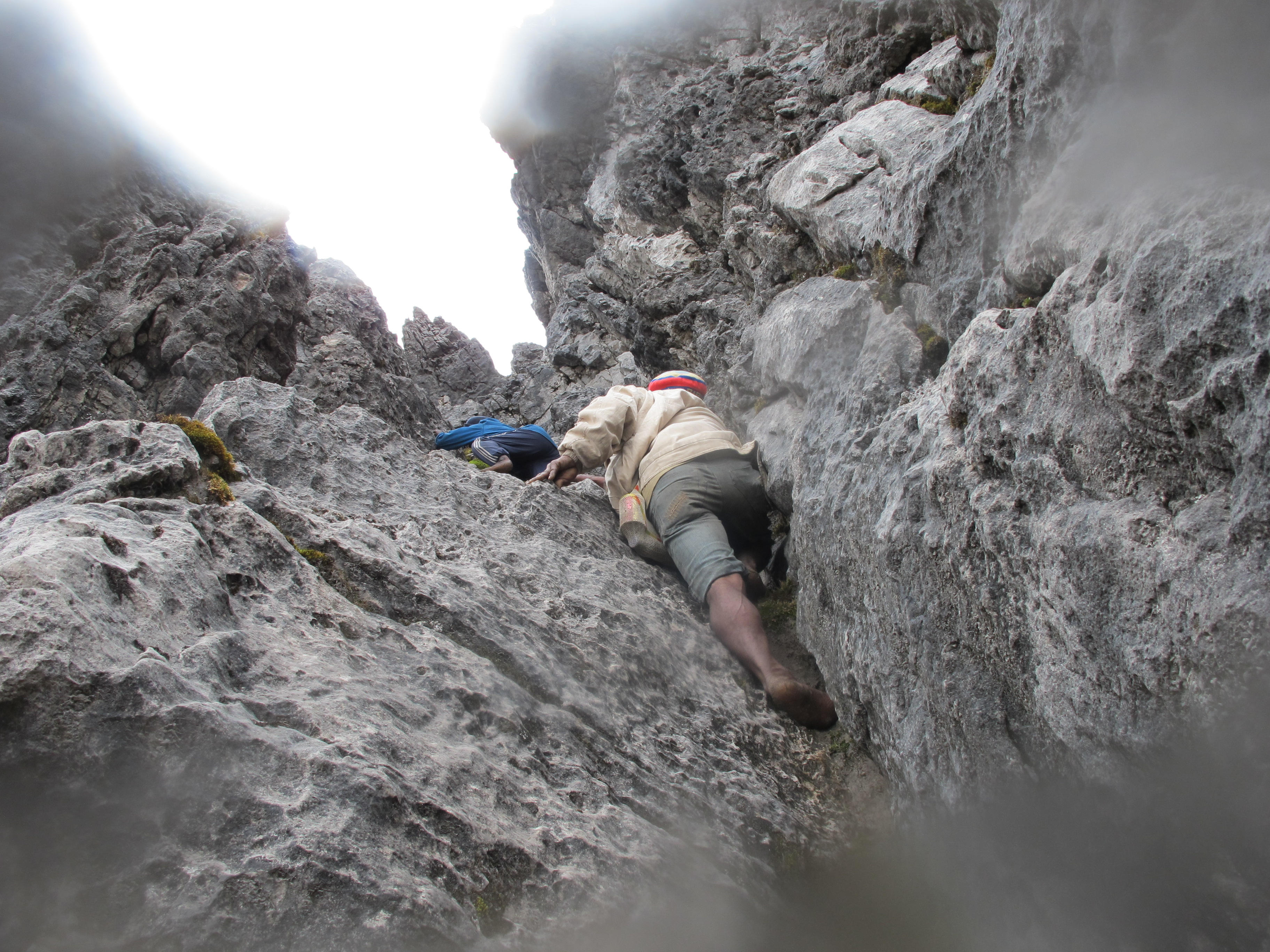 2010 12 01 Short rocky chimney to gain summit ridge
