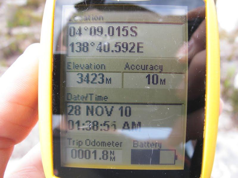 2011-11-28-gps-lake-habbema