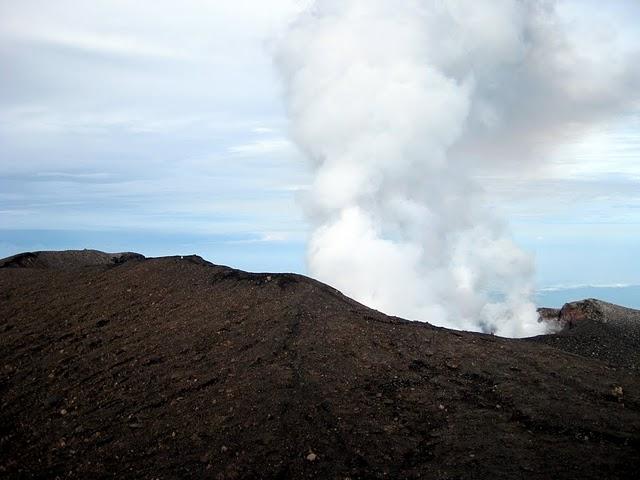 slamet-crater