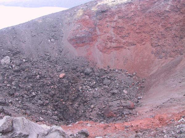 anakkrakatau_krakatau-crater