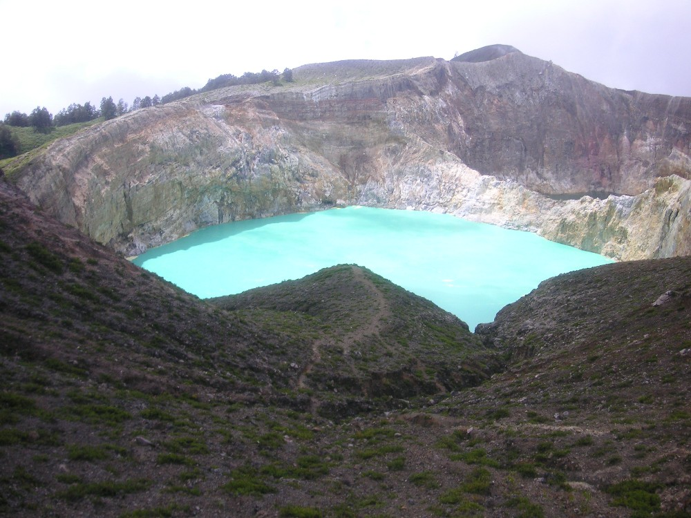 091-kelimutu-flores-12-april-2009