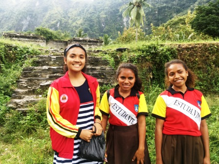 Highschool girls, Baguia, who spoke excellent English (Nicholas Hughes, July 2018) (2)