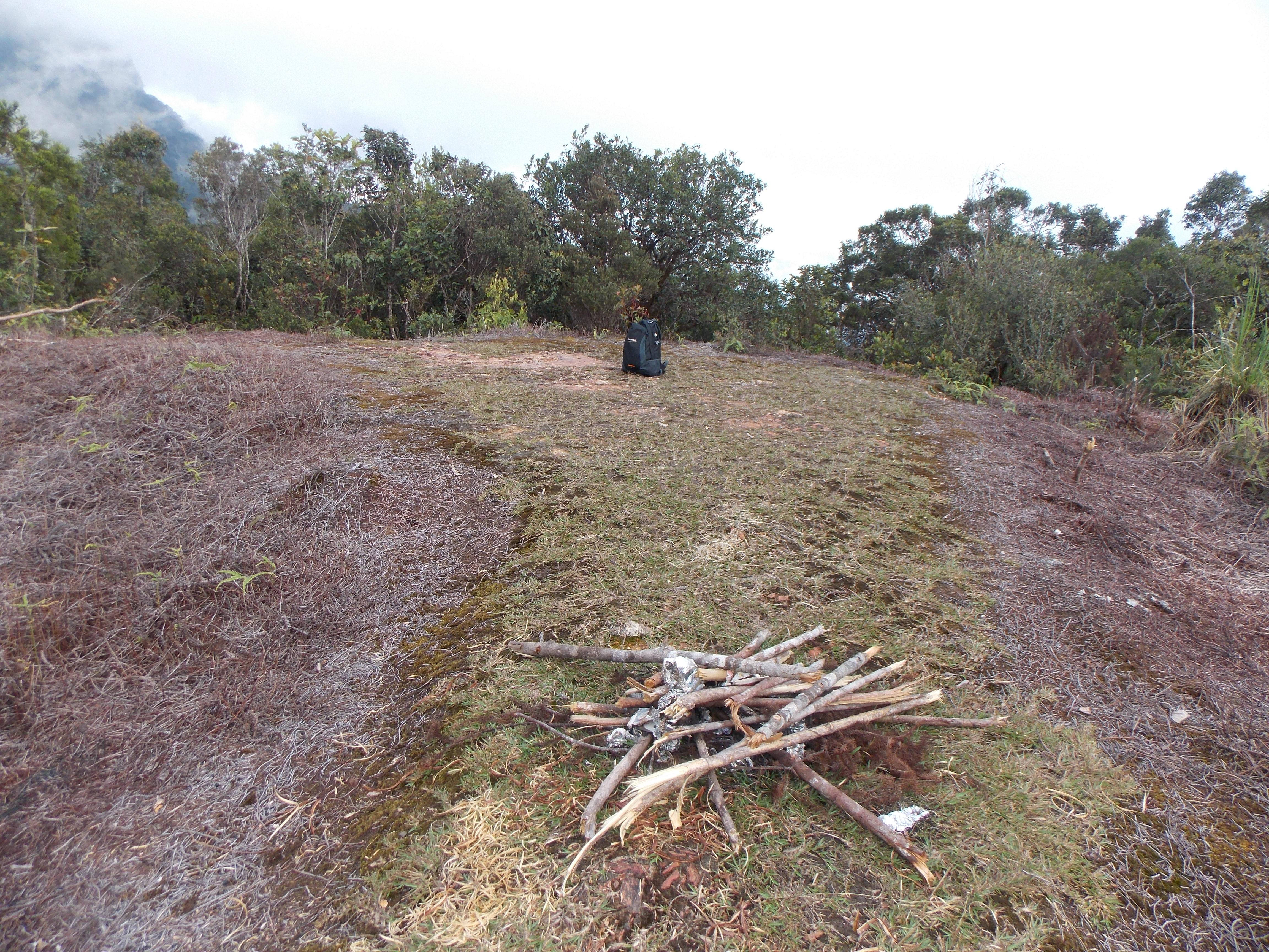 092 The helipad area beyond Camp 4
