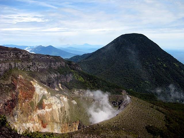10-gede-crater-and-pangrango