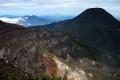 5-gede-crater-and-pangrango-behind