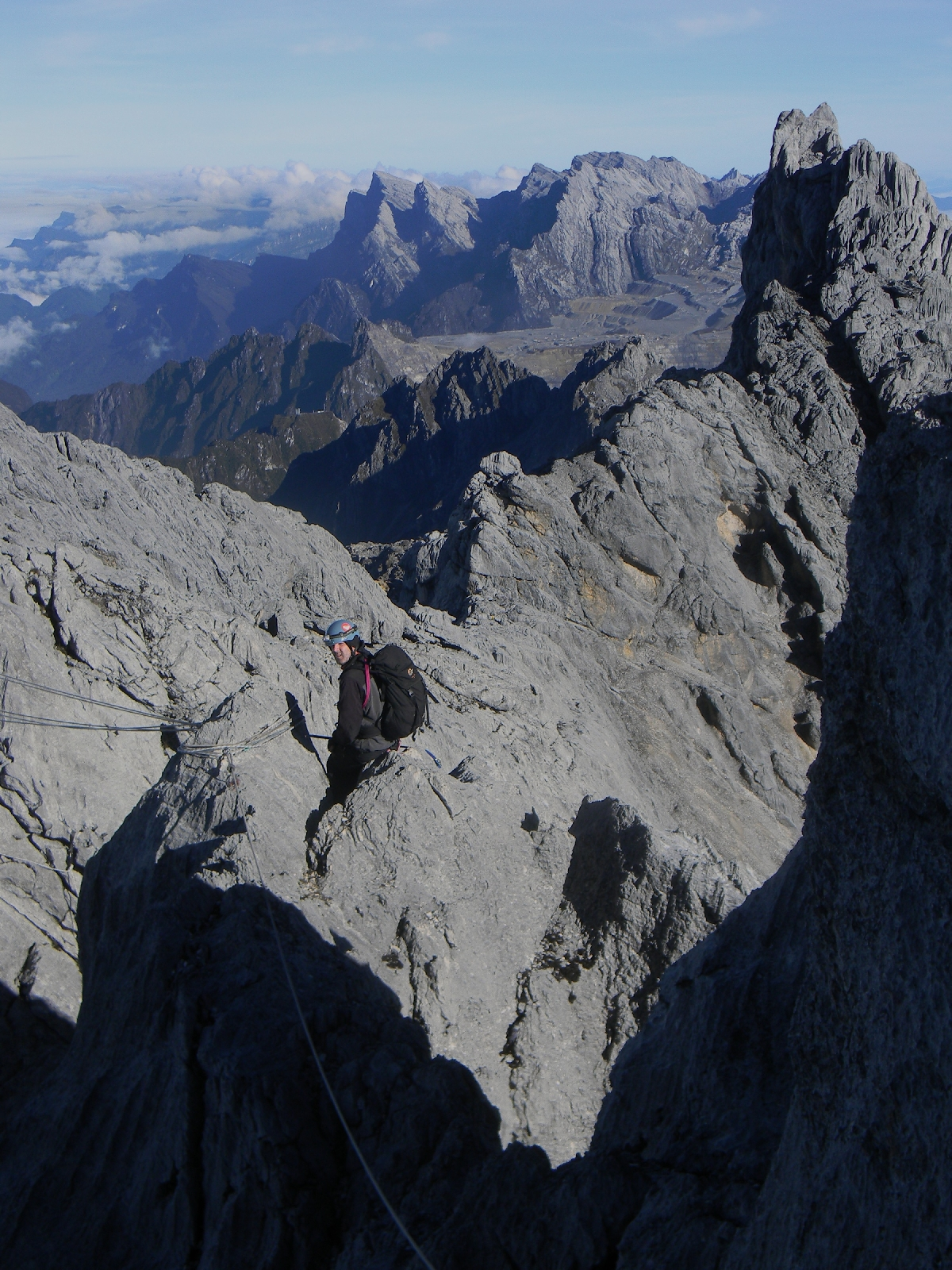 Carstensz summit ridge looking west (Idenberg Top) (Robert Cassady, 2010)