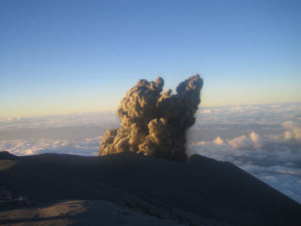 semeru_semeru-eruption_0